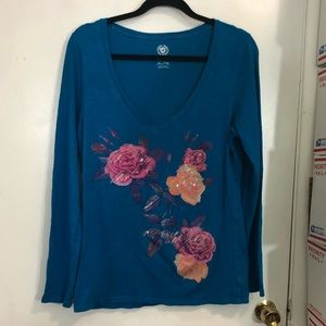 American Eagle V Neck Long Sleeve Tee